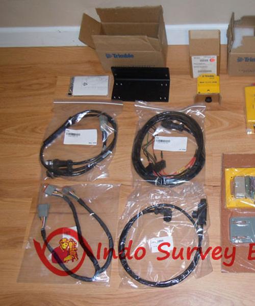 Used-Trimble-SR300-with-GCS900.jpg